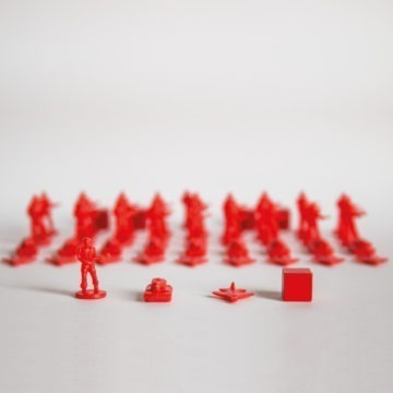 LEADERS Figurenset rot 30 rote Infanterie, 10 rote Panzer, 10 rote Flieger, 5 rote Holz-Marker