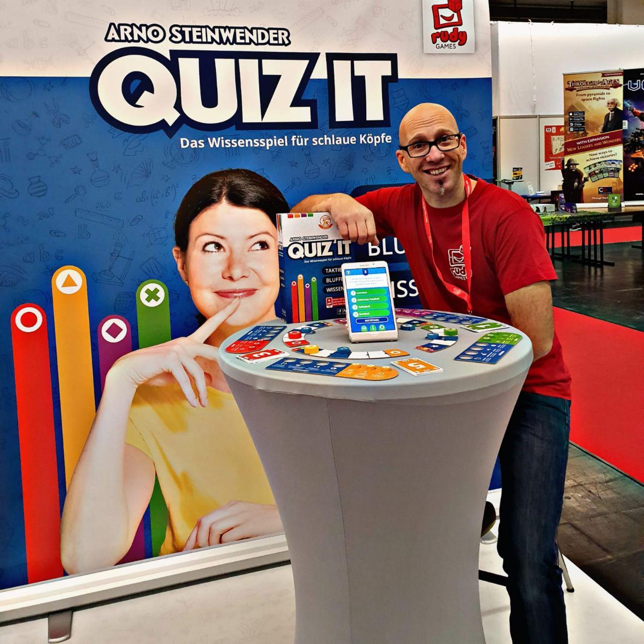 Reini von Rudy Games präsentiert das neue Wissensspiel QUIZ IT